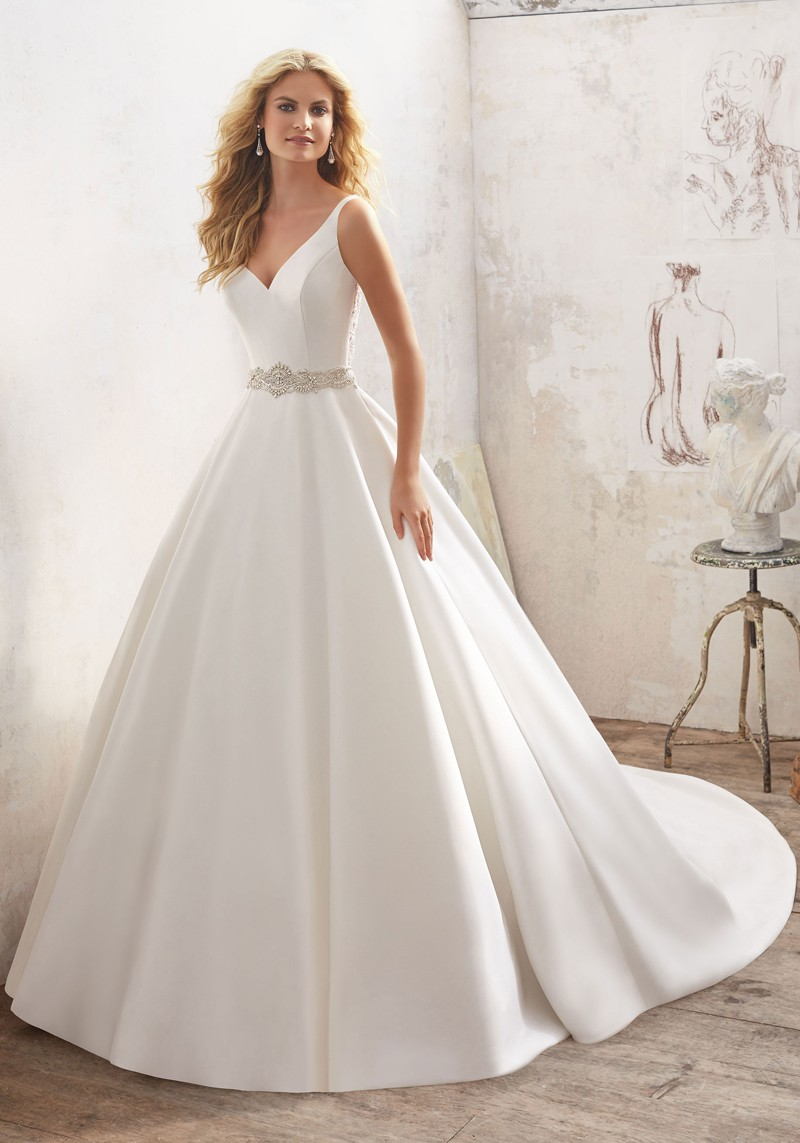 7ad6223fd88 White And Coral Wedding Dress - Gomes Weine AG