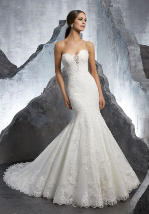 e2eac857f7 Immediate Delivery Dresses- Receiving Your Chosen Wedding Dress in Time